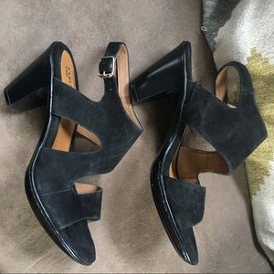 Eurosoft by Sofft black suede leather heels 👠 8M